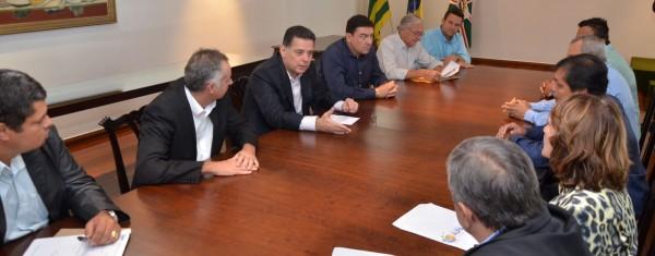 José vitti lidera encontro de prefeitos com governador 1