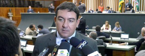 Líder do governo diz que matérias importantes devem chegar até segunda semana de junho